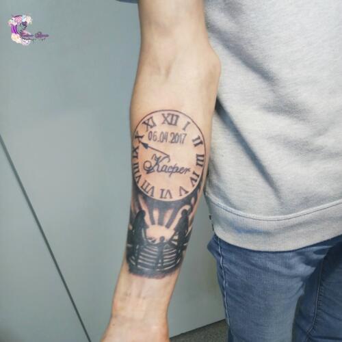 tatuaz zegar rodzina
